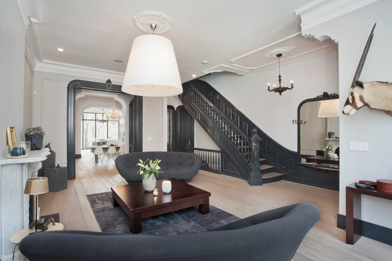 contemporary living room with ceiling medallion