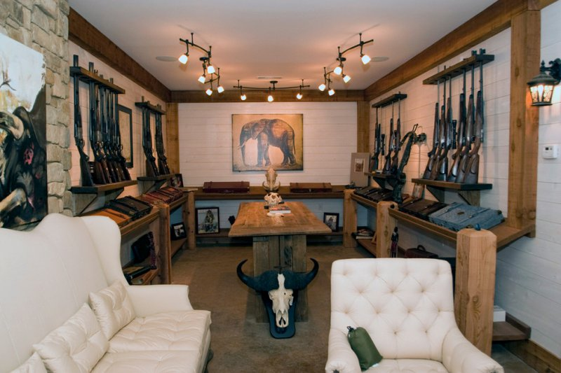 gun display room