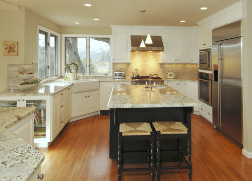 The best kitchen paint colors with white cabinets for Best white color to paint kitchen cabinets