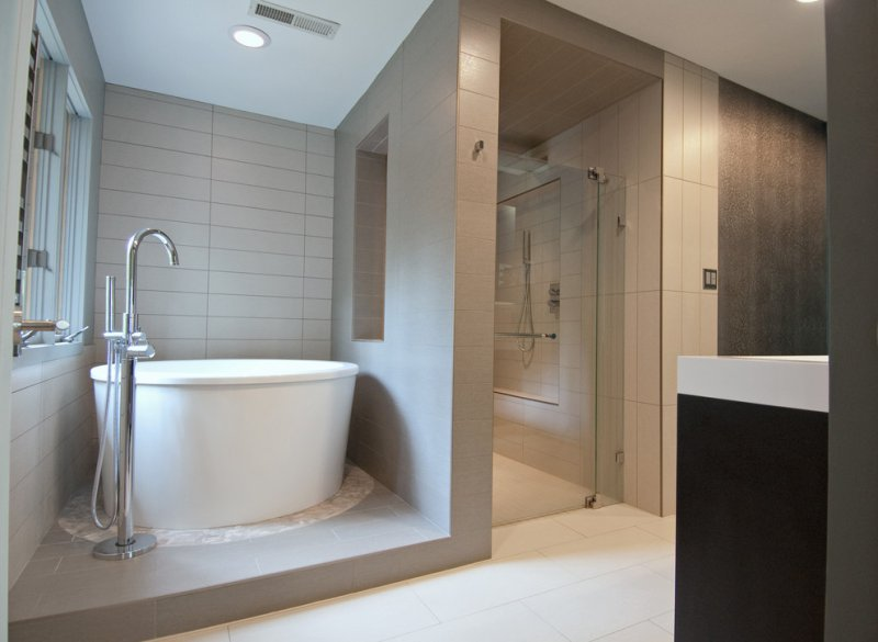 modern bathroom with white soaking_tub
