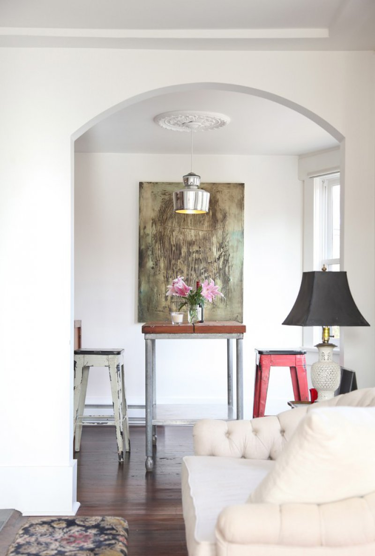simple dining room ceiling medallion