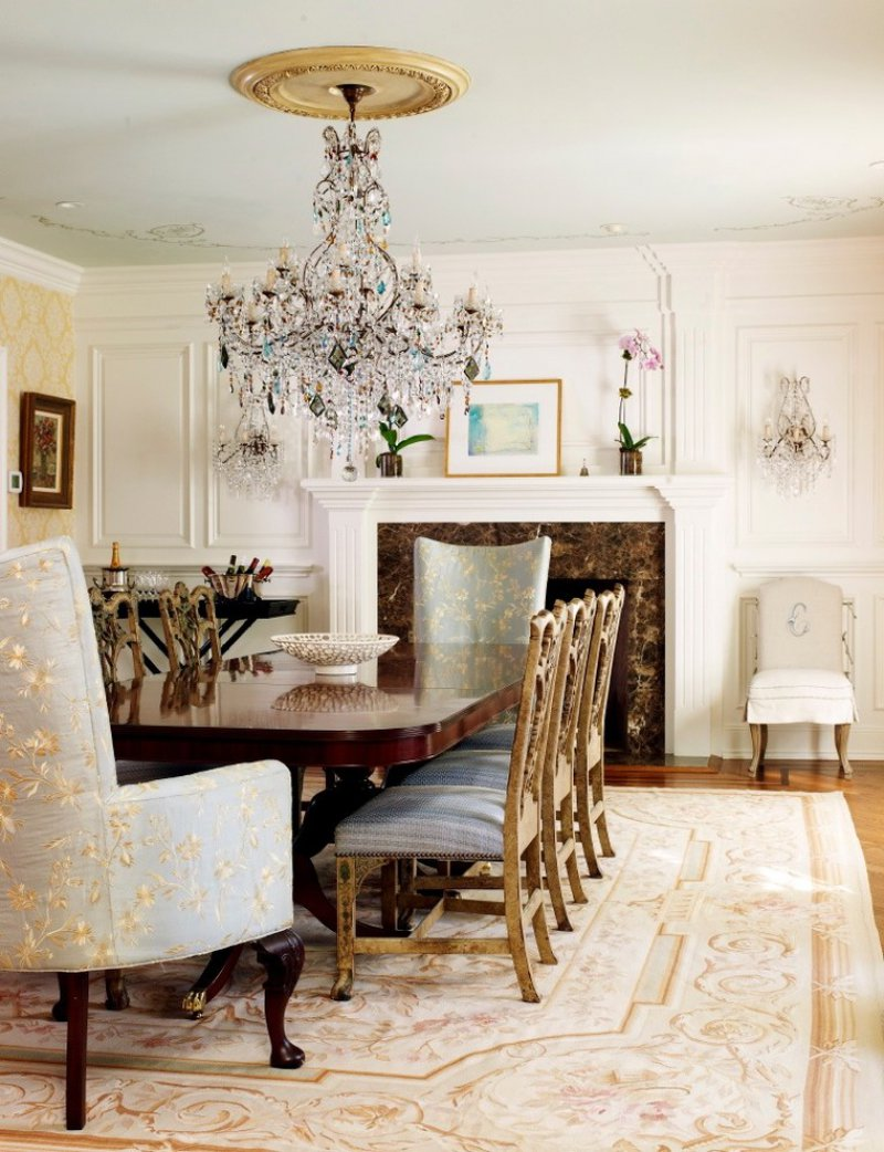 Traditional Dining Room With Ceiling Medallion